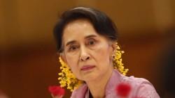 Pemimpin Myanmar Aung San Suu Kyi