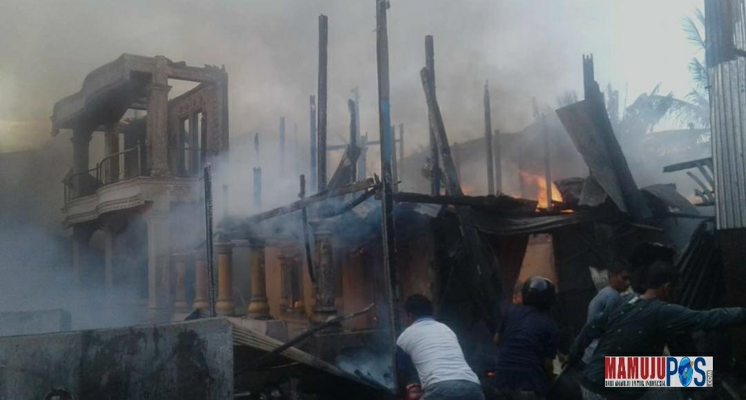 Puluhan Rumah di Mamuju Hangus Terbakar