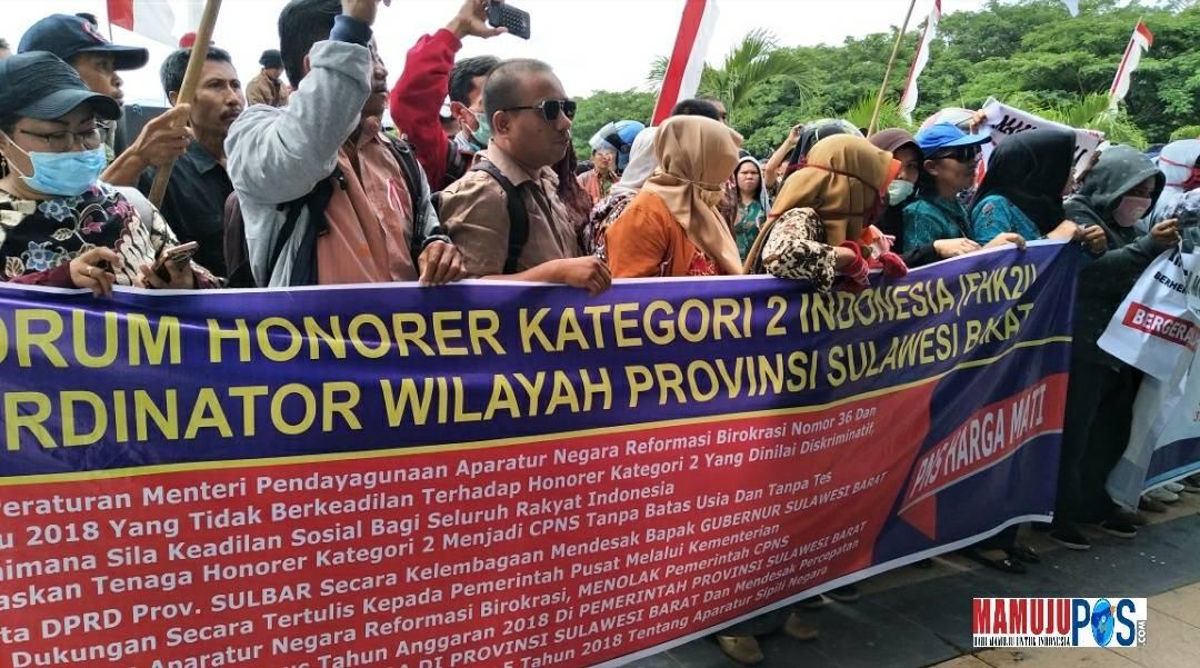 Gambar Protes Permen PAN-RB, Ratusan Honorer K2 Sulbar Sindir Pemerintah