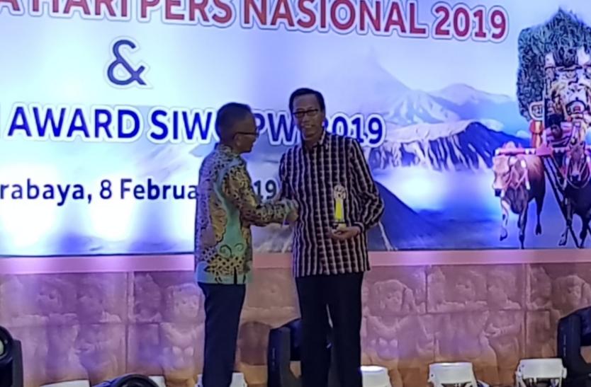 Gambar Penerima Penghargaan Golden Award Siwo Diwarnai Keterwakilan