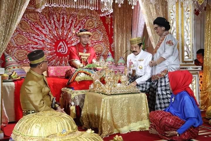 Gambar Melalui Pernikahan Puteranya, Habsi Dorong Promosi Adat Mamuju