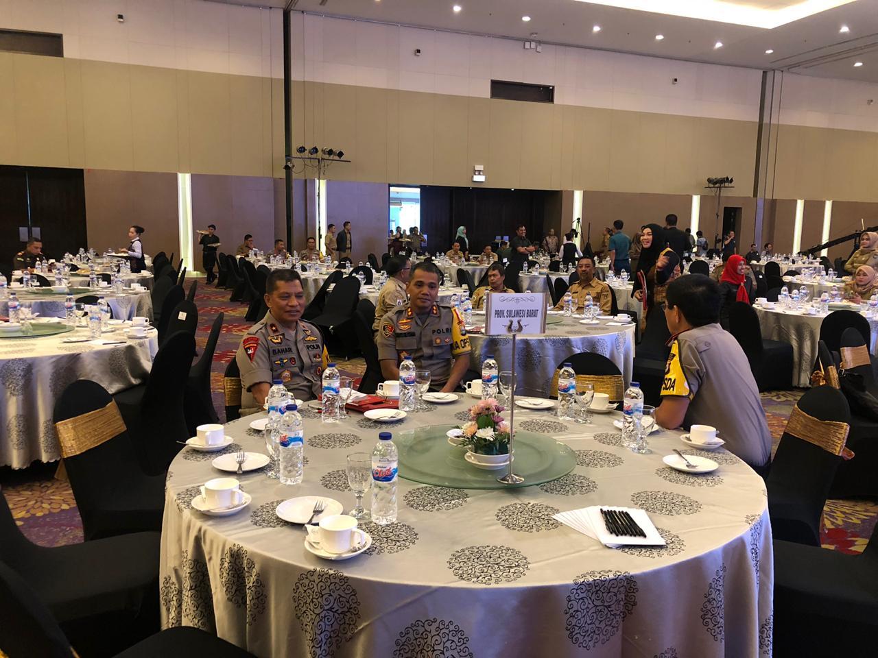 Gambar Kapolda Sulbar Hadiri Rakornas Pemantapan Pemilu di Makassar