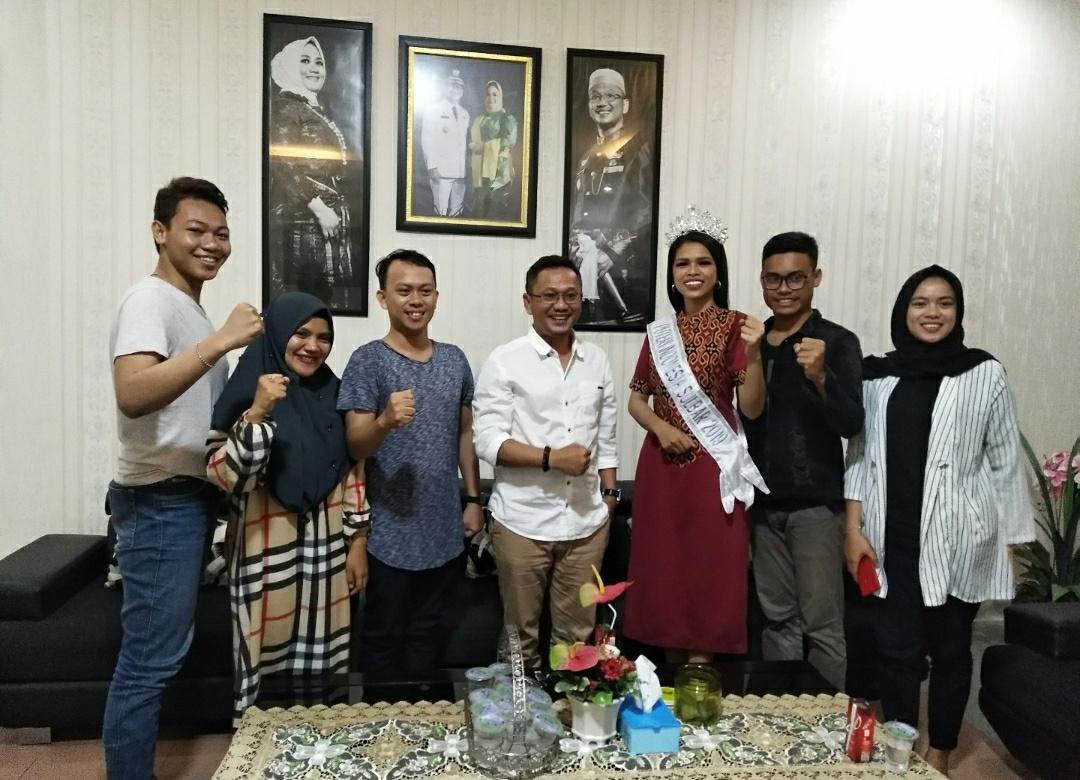 Mutmainnah Silaturahmi ke Rumah Wakil Bupati Mamuju
