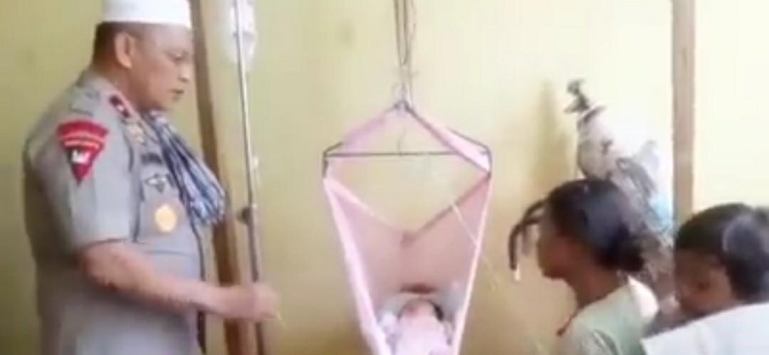 Gambar Kapolda Sulbar Jenguk Bunga, Bayi Piatu