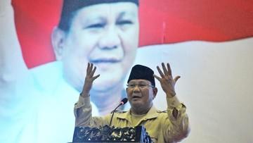 Gambar Saat Azan Berkumandang, Prabowo Berhenti Orasi
