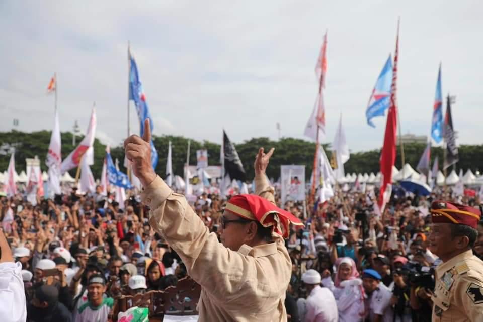 img 100 Hari Pertama, Prabowo Janji Turunkan Harga Sembako, BBM, Listrik