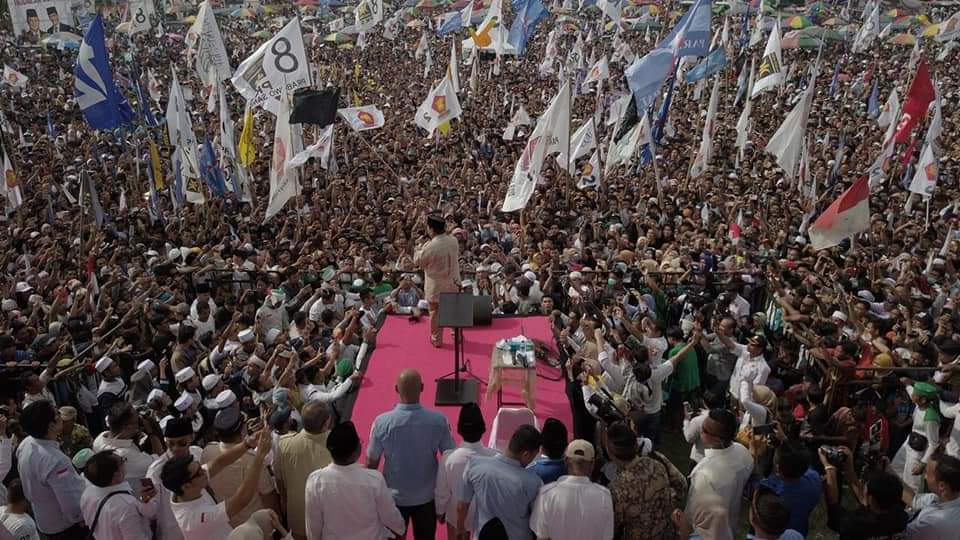 Ribuan Warga Sambut Prabowo di Lombok, Target 90 Persen Suara