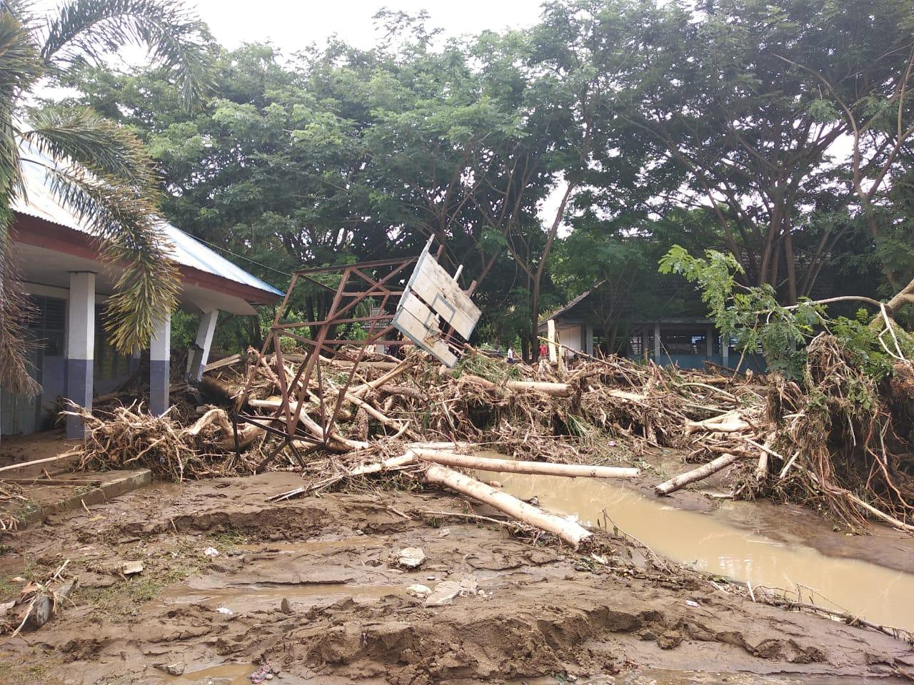 Banjir Mamuju: 10 Rumah Hanyut, Ratusan Rusak Berat