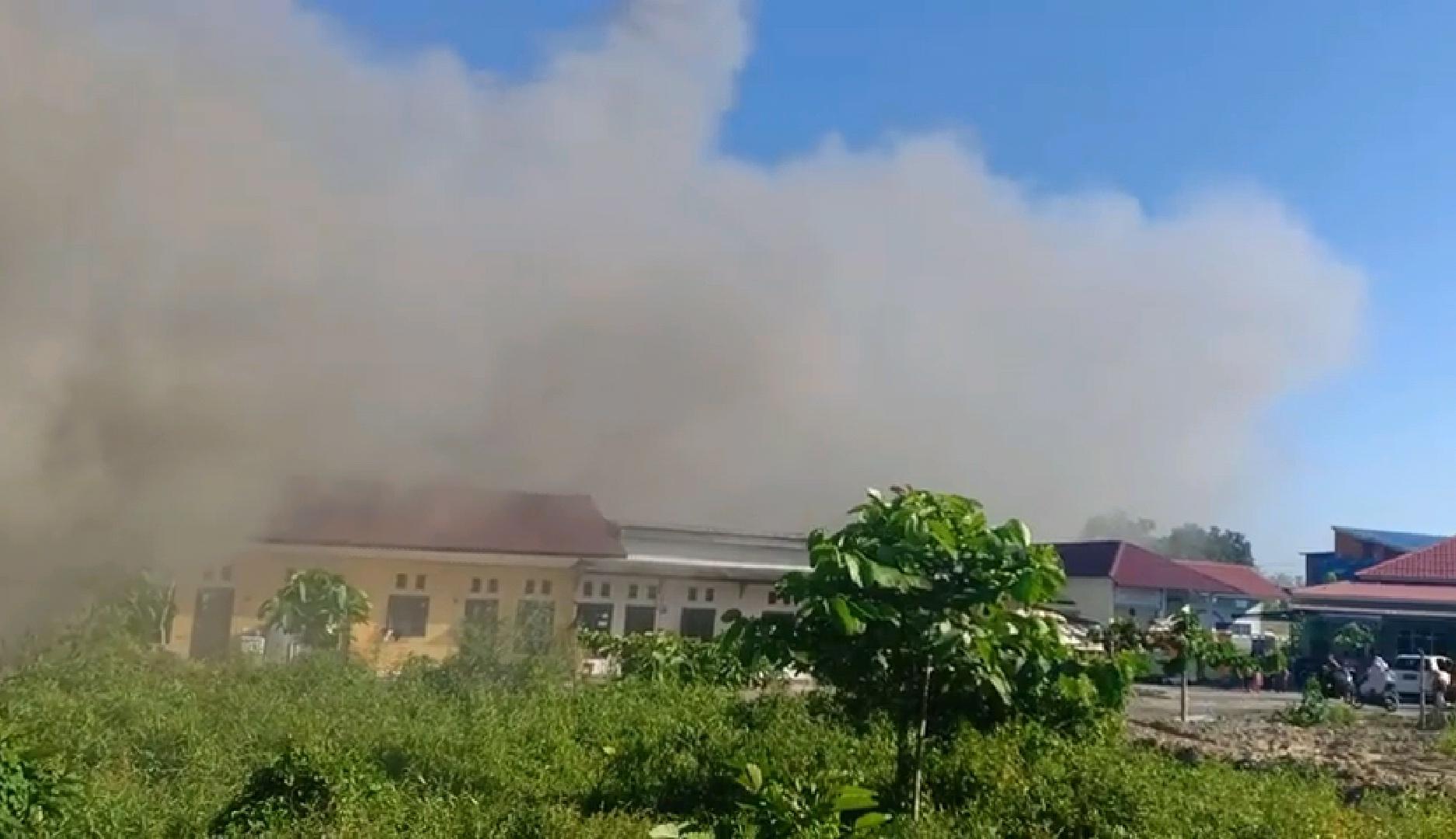 Gambar Kebakaran di Pasangkayu, 8 Rumah Ludes