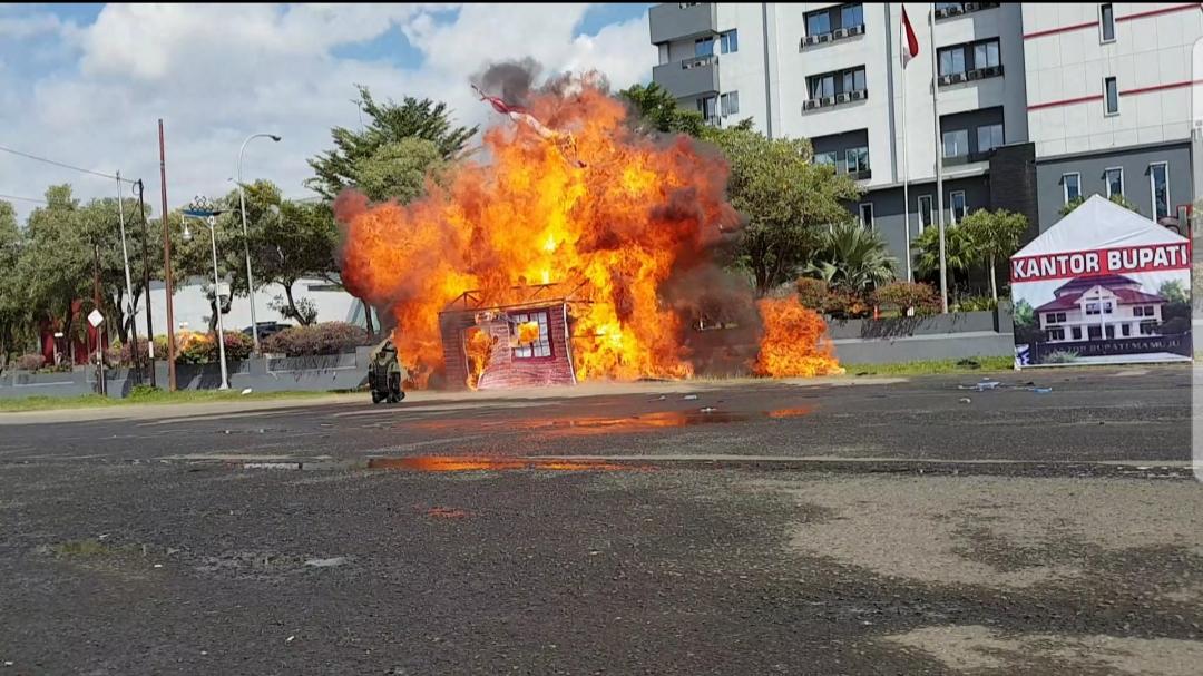 img Bom Meledak Dibelakang Hotel d'Maleo Mamuju