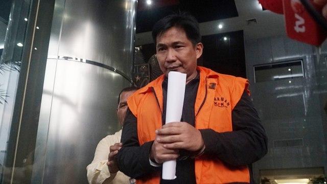 Tersangka Bowo Sidik Pangarso usai menjalani pemeriksaan oleh penyidik KPK, Jakarta, Selasa (9/4). Foto: kumparan
