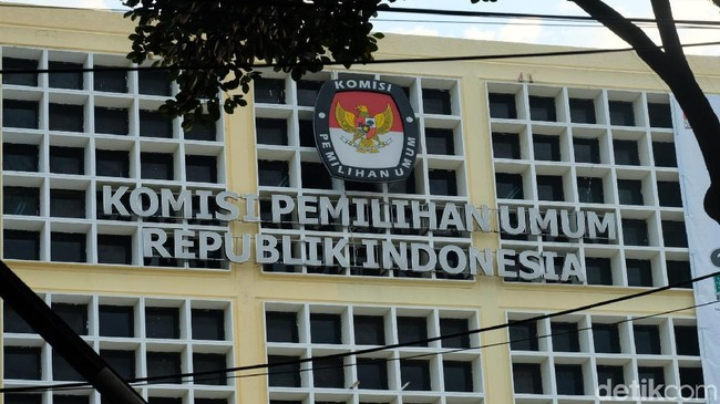 Real Count KPU, Jokowi-Ma'ruf 54,8%, Prabowo-Sandi 45,12%