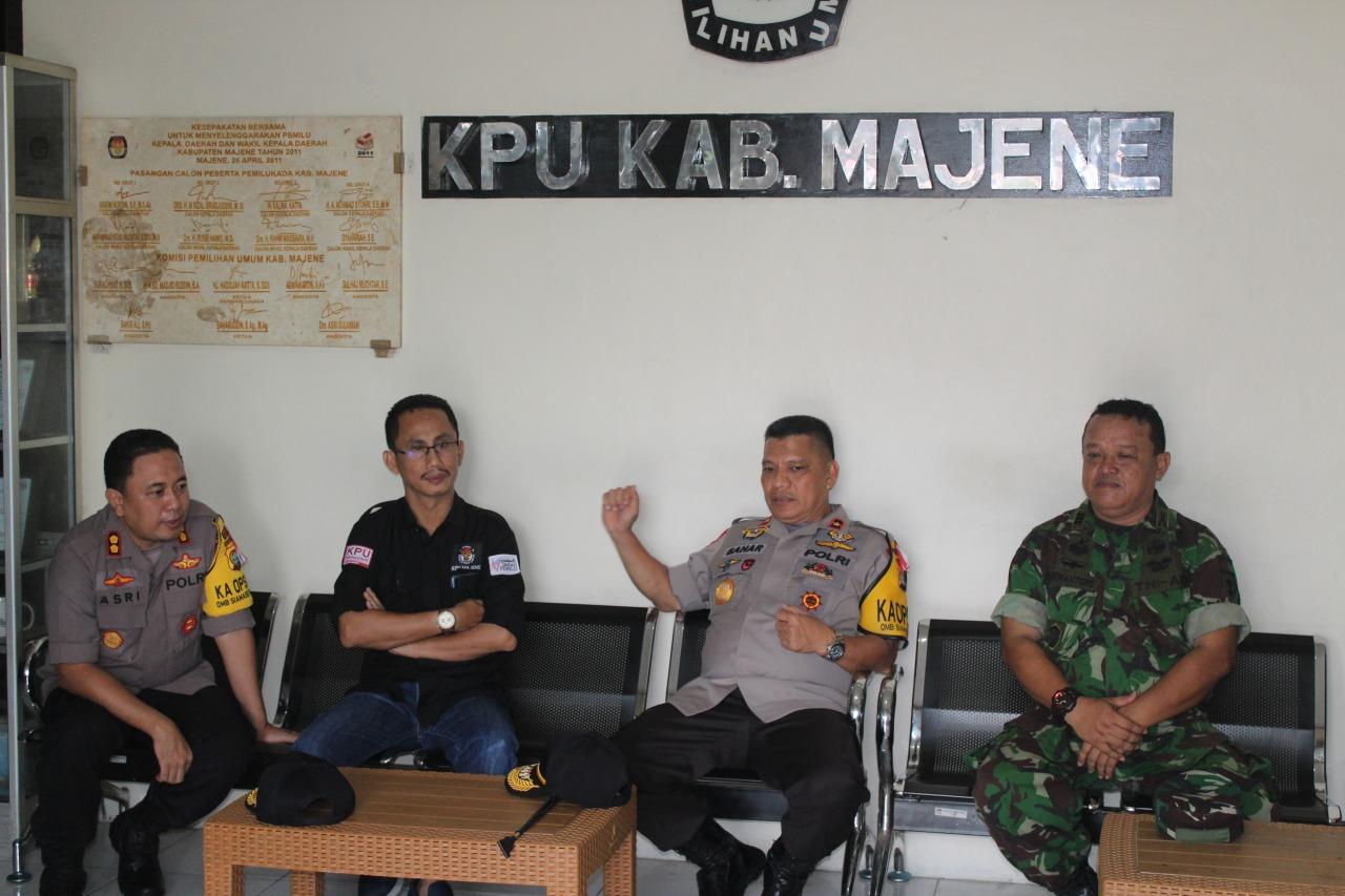 Gambar Kepada Kapolda Sulbar, Ketua KPU Majene Pastikan Pemilu Aman