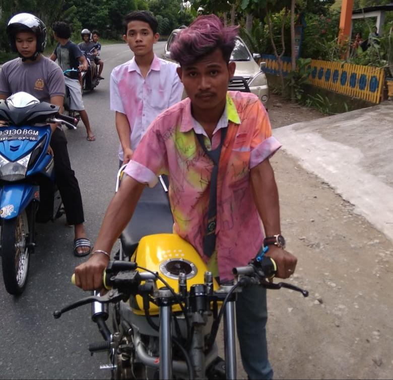 Gambar Jalinbar Trans Sulawesi di Pamboang Kerap Dijadikan Arena Balap Liar