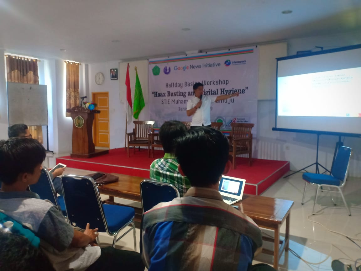 HMJ STIE MM dan AMSI Sulbar Gelar Workshop Hoax Busting and Digital Hygiene