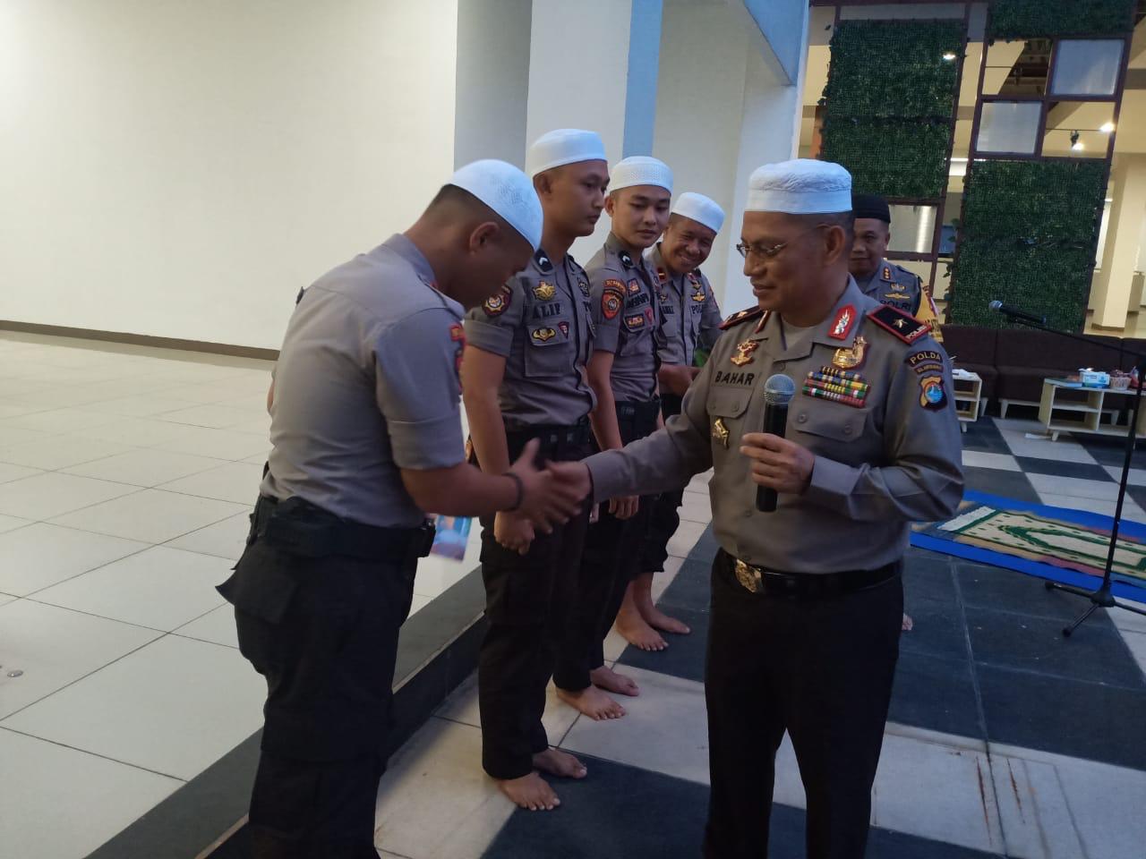 Kunjungi Personilnya di Jakarta, Kapolda Sulbar: Saya Bangga