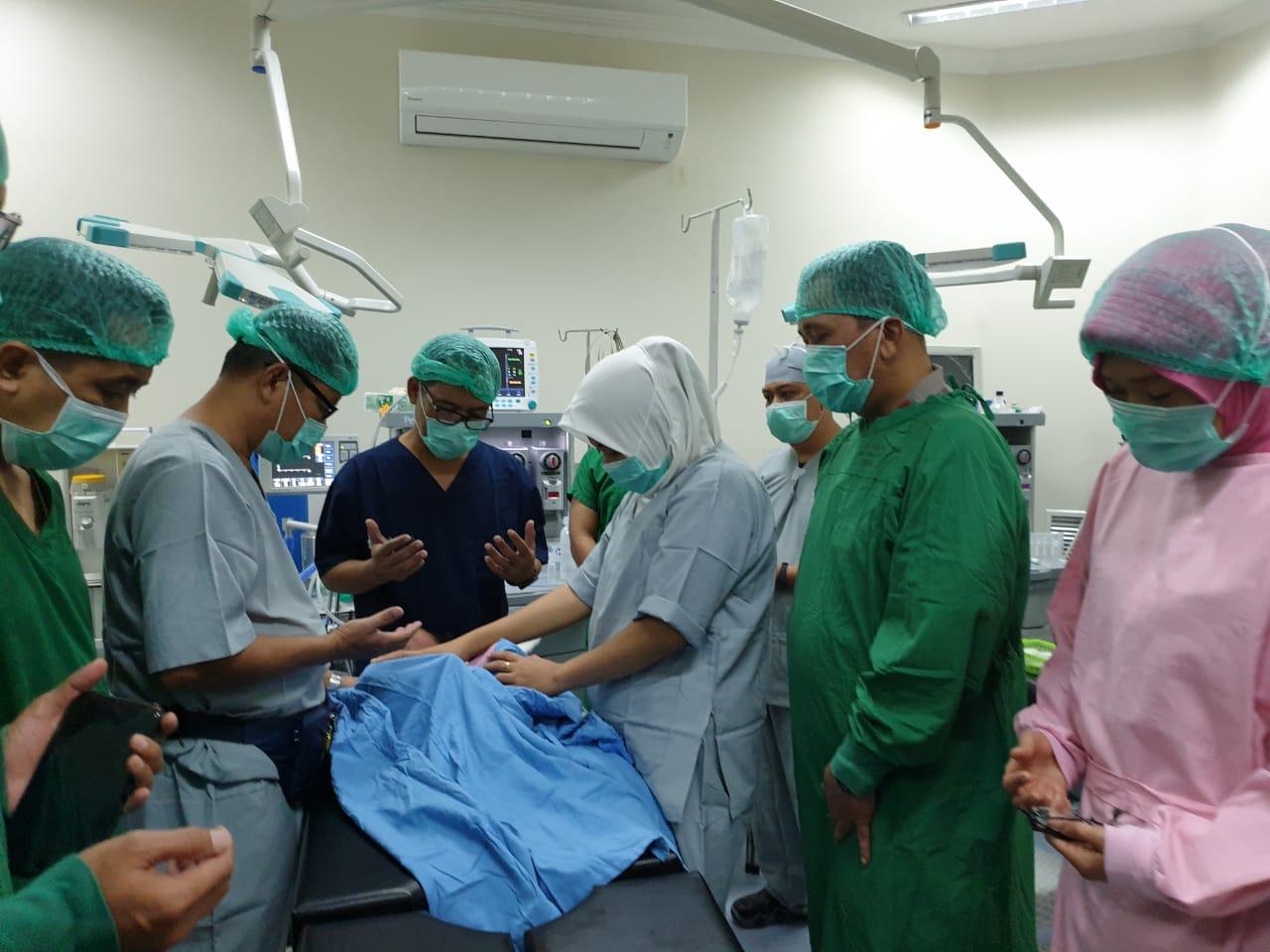 Operasi bibir sumbing di RS Bhayangkara Polda Sulbar