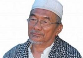 Pimpinan Pondok Pesantren Salafiyah Parappe KH. Abd Latief Busyra.