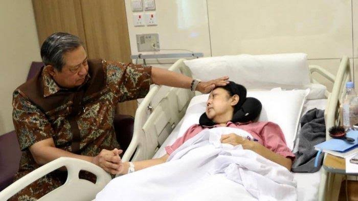 Gambar Ani Yudhoyono Wafat