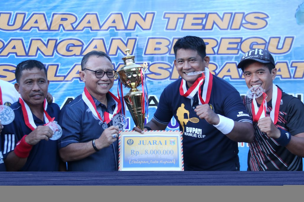 img Kejuaraan Tenis Lapangan, Kapolres Mamuju Sabet Juara 1