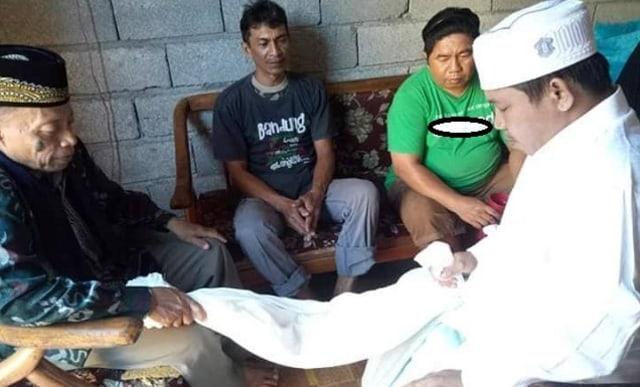 Gambar Pria Ini Wafat 4 Jam Setelah Jadi Mualaf