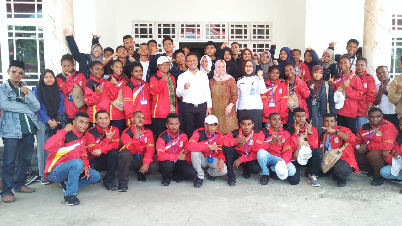 img Wabup Mamuju Terima Kunjungan Pelajar Asal Papua Barat dan Sulbar