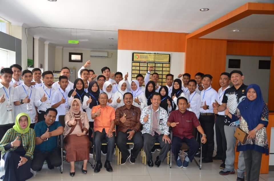 img 29 Tenaga Kerja Diantar Bupati Majene ke BDI Surabaya