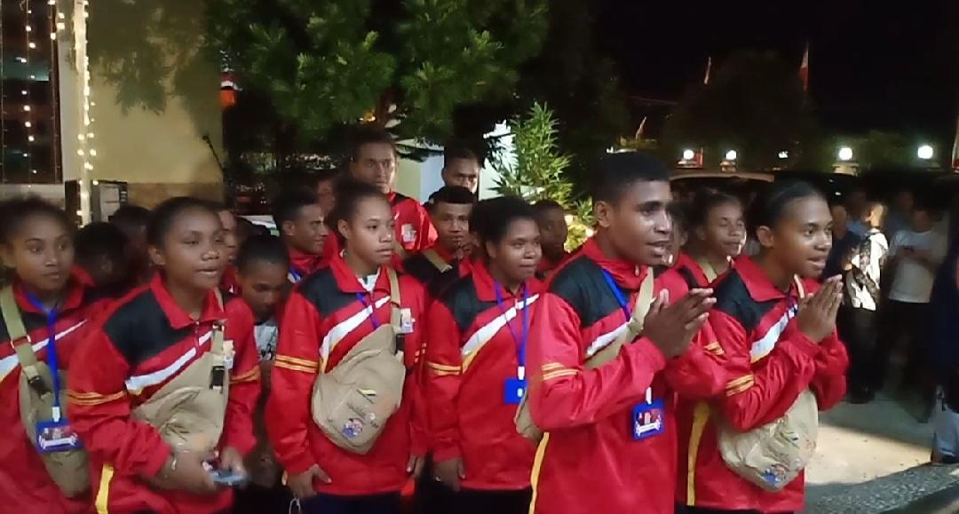 Gambar Kado Istimewa Untuk AAS dari Pelajar Papua Barat