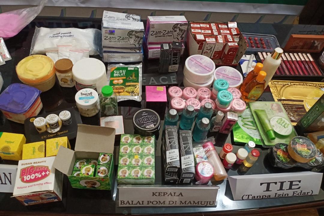 img BPOM Mamuju Sita Kosmetik Ilegal Sebanyak 2806 Pieces