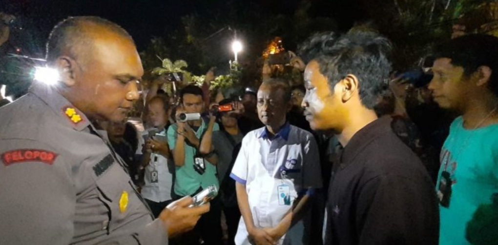 Gambar Liput Demo, Oknum Polisi Rampas Kamera dan Hapus Rekaman Jurnalis TVRI Sulteng