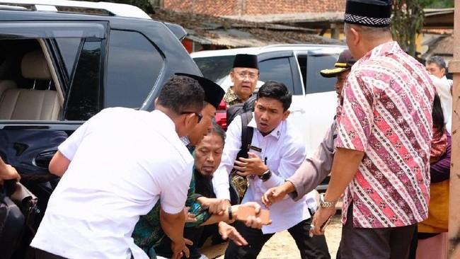 Menko Polhukam Wiranto Diserang di Banten