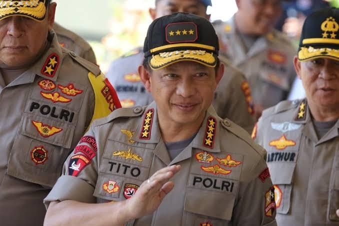 img Jokowi Berhentikan Kapolri Tito Karnavian