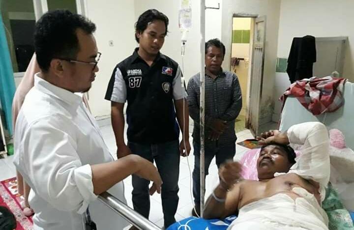 Arwan Aras Kunjungi Pasien di RSUD Mamuju
