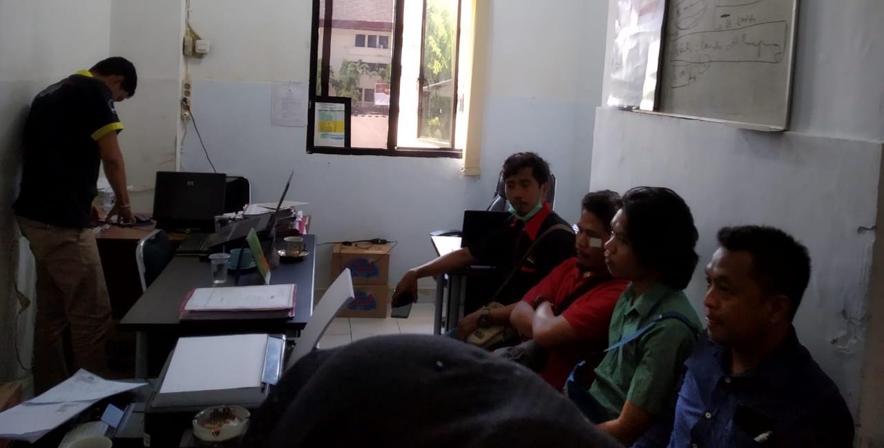 Gambar Tiga Jurnalis Korban Kekerasan di Makassar Diperiksa