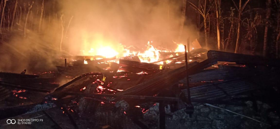 Gambar Sebuah Rumah di Pamboang Ludes Terbakar, Diduga Korsleting Listrik