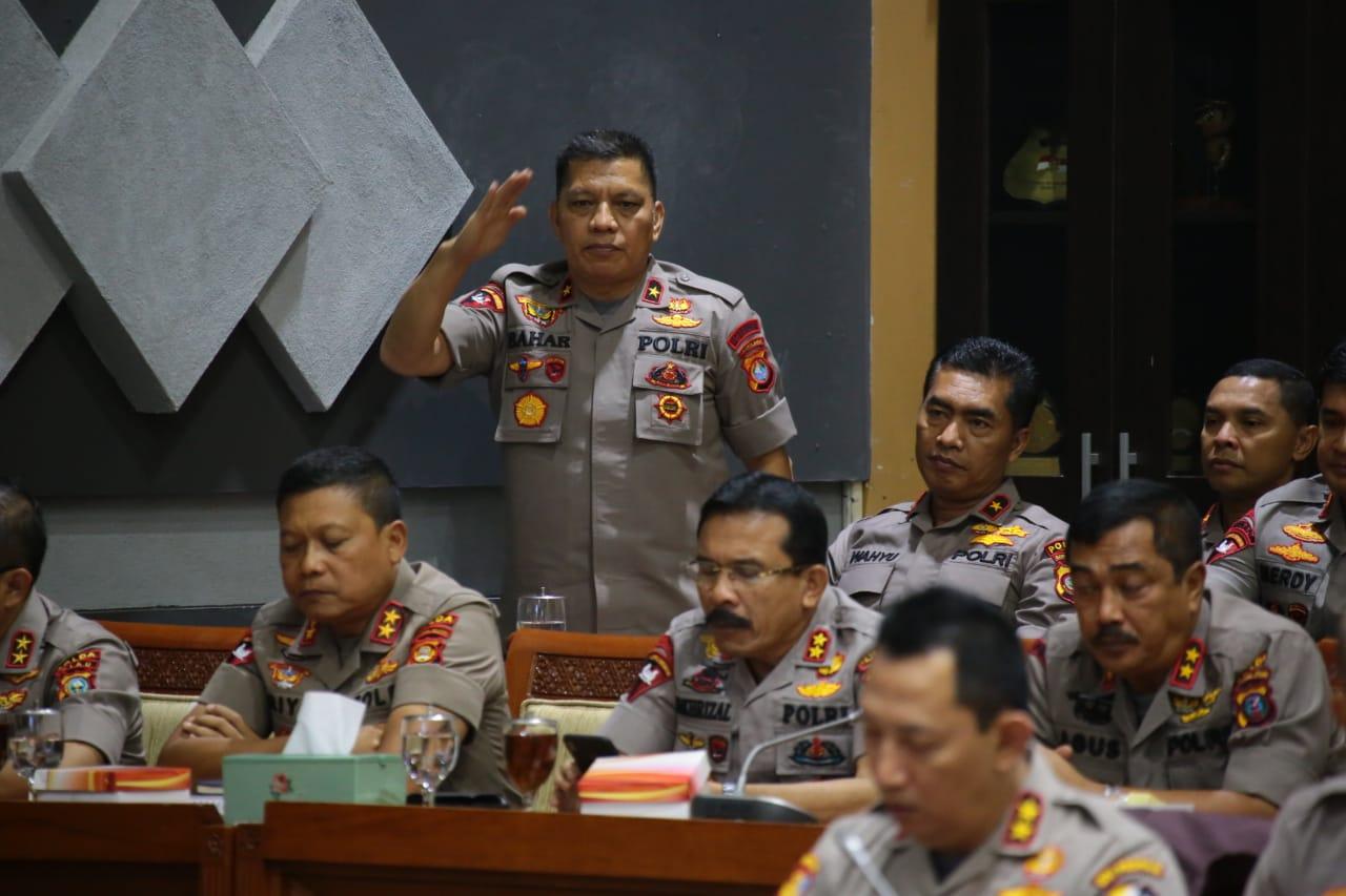 img Kapolda Sulbar Hadiri Rapat Dengar Pendapat Kapolri Dengan Komisi III DPR RI di Jakarta