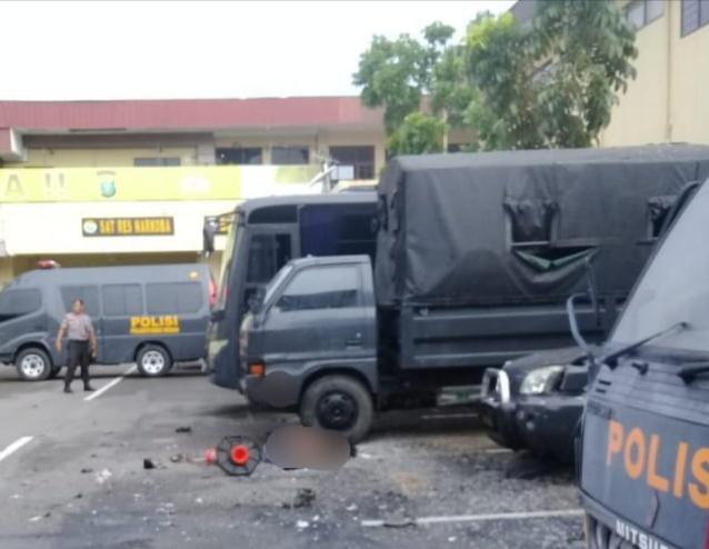 Bom Bunuh Diri Meledak di Polrestabes Medan