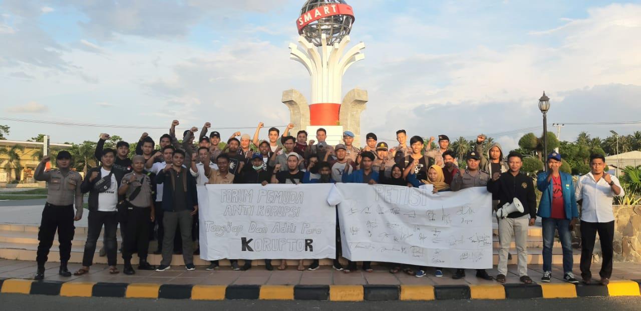 img Polres Mamuju Utara Pam Aksi dan Konvoi Hari Anti Korupsi