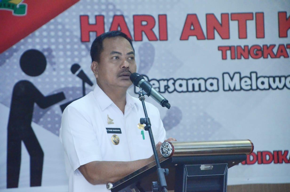 img Bupati Majene Apresiasi Lomba Pidato SMP dalam Memperingati Hari Antikorupsi Nasional