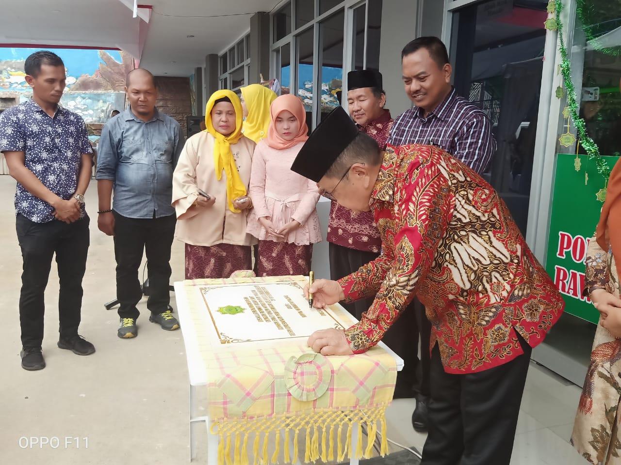 Gambar Bupati Majene Turut Resmikan Sebuah Rumah Sakit di Palopo. Kok Bisa?