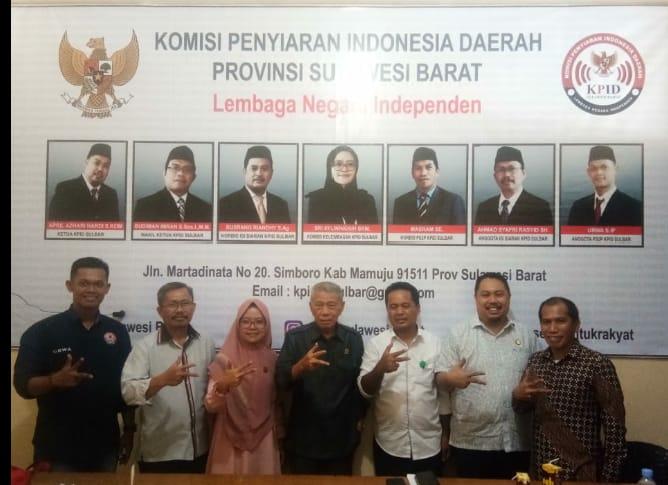 img Jaring Masukan Penerapan Regulasi, Anggota DPD RI Kunjungi KPID Sulbar