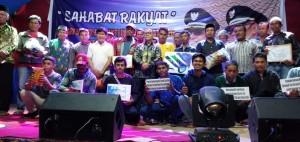 Habsi-Irwan Salurkan Bantuan Ribuan Tablet, Laptop dan Komputer