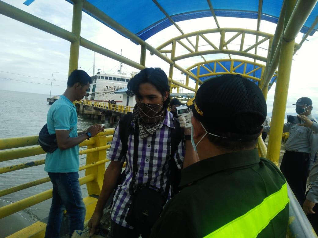 Pelabuhan Penyeberangan Mamuju Antisipasi Terhadap Covid-19