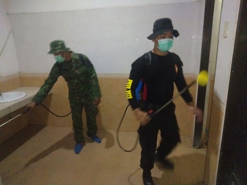 Polres Mamuju Utara dan Stakeholder Sterilkan Gedung DPRD Matra