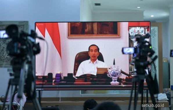 Gambar Jokowi Perintahkan Kepala Daerah Maksimalkan Anggaran Tangani Covid-19