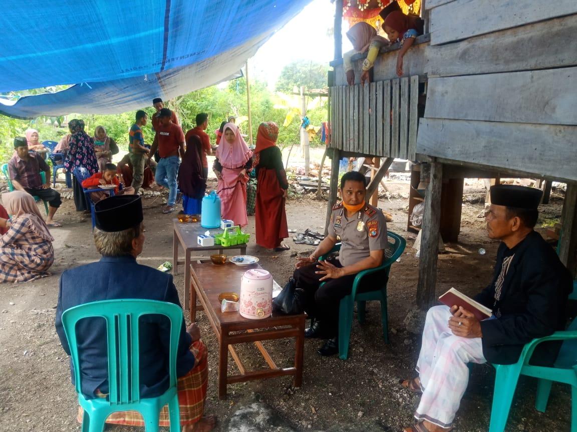 Gambar Kapolsek Banggae Imbau Warga Untuk Menunda Resepsi Pernikahan