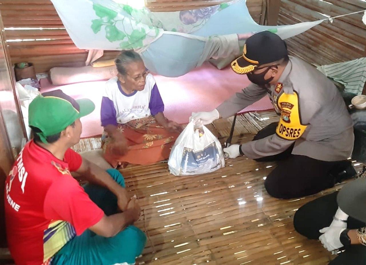 Gambar Polres Majene Berbagi Sembako di Delapan Kecamatan