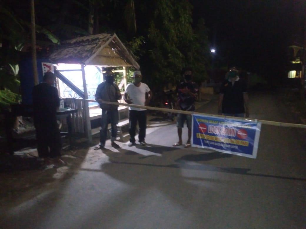 Gambar Cegah Penyebaran Covid-19 Meluas, Akses ke Timbo-timbo Dipalang Warga