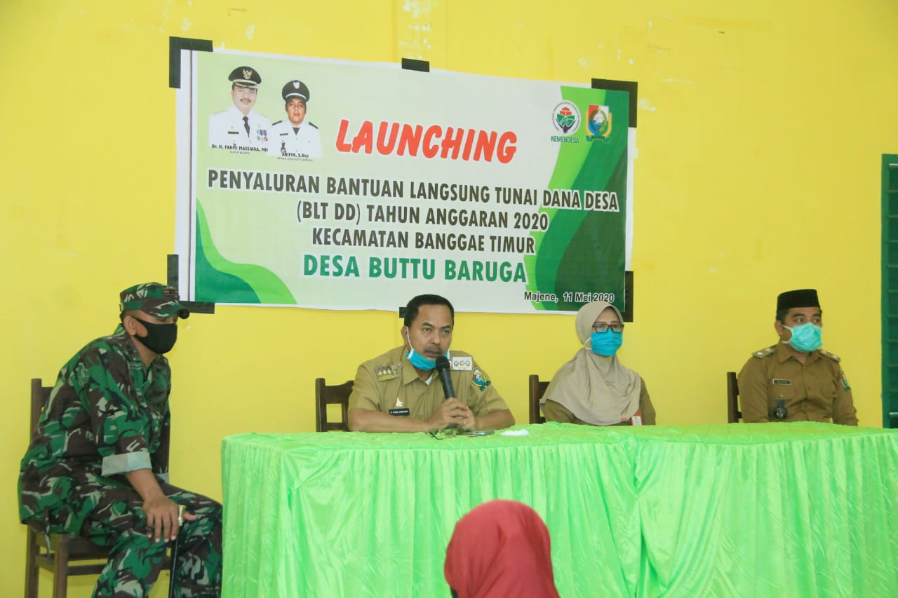 Gambar Bupati Fahmi Launching BLT kepada Warga Desa Buttu Baruga