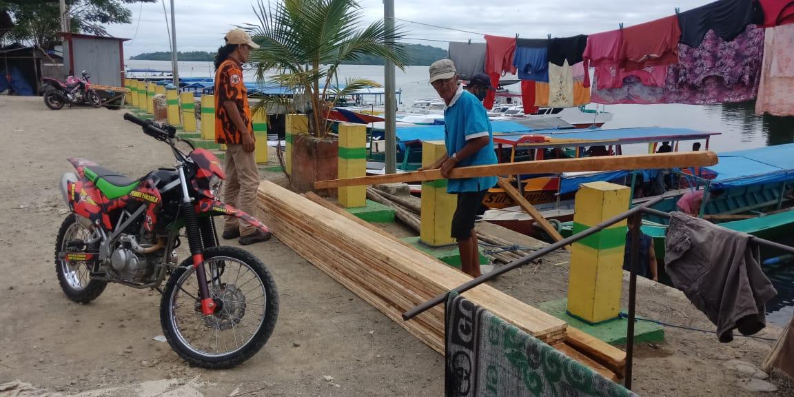 Gambar Lagi, MPC Pemuda Pancasila Mamuju Serahkan Bantuan di Karampuang